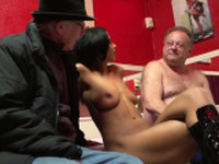 Bootylicious dutch slut fucked by sextrip guy