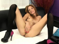 Bimbo who knows how to make a good porn video