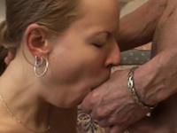 Dishy blonde floosy Janna blowing like a goddess