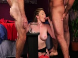Sexy bombshell gets cumshot on her face sucking all the jism