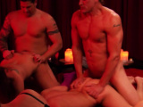 Swingers throw an amateur orgy gangbang