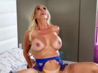 Mommy Got Boobs - Brandi Love Van Wylde