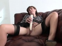 Cheating british mature lady sonia flashes her giant puppies