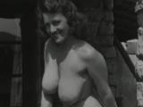 Got her big boobs and ass outdoor