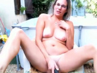 Outdoor masturbation of sexy amateur milf