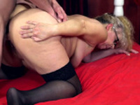 Mature Blonde has learned a few tricks