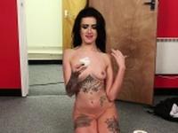 Tattooed Brtitt cocksucks pov after shower