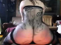 Cam Girl With An Amazing Ass Shakes It For What Its Worth