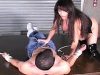 Donga gets deep inside tasty gal s wet fanny