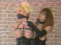 Latex clad fetish hoe spanks pussy toying lesbian in hd