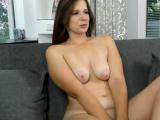 Eye watering beauty Sandra Bulka masturbates on casting