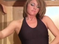 Insane minx boasts of gash looking great in hose